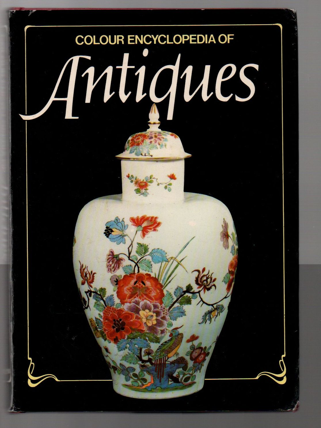 Colour Encyclopedia of Antiques (anglicky)
